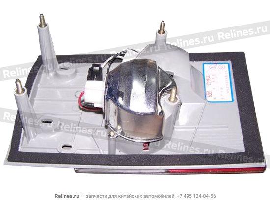 Фонарь задний левый внутренний (на крышке багажника)