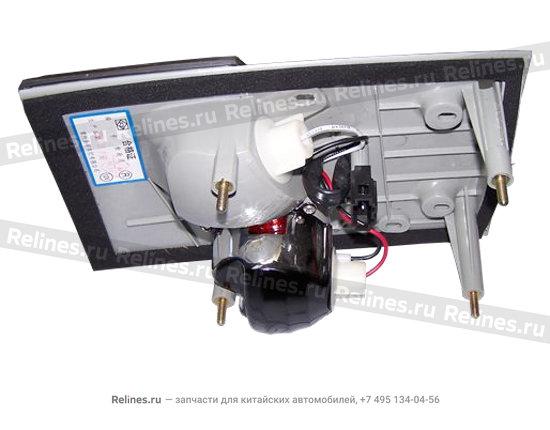 Фонарь задний правый внутренний (на крышке багажника)