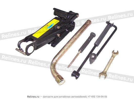 Домкрат и набор ключей - A11-3900010