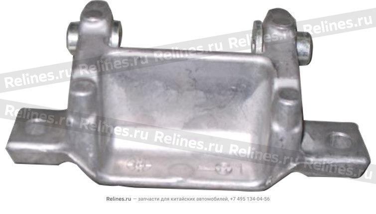 Bracket- a/c compressor - 04668545aa